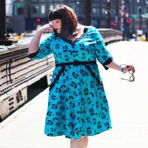 Voodoo Vixen Raining Cats Retro Dress - 4XL
